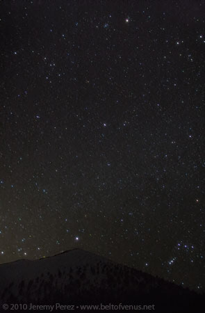Photo of Mars, Procyon, and Sirius lining up over Sunset Crater